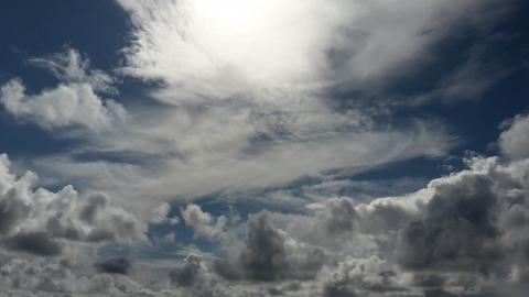 В Саратовской области сохранилась ветреная и облачная погода