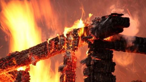 Пенсионер погиб на пожаре в Петровске