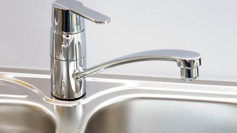 В десятках домов Саратова отключили холодную воду