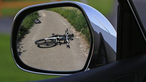 Утром женщина-водитель насмерть сбила велосипедистку