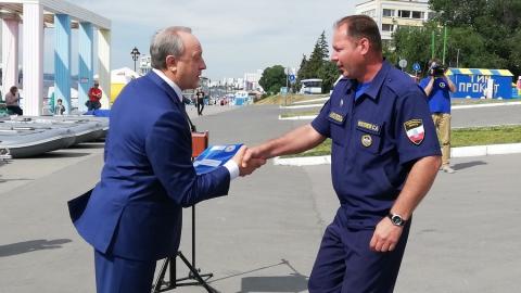 Саратовские спасатели получили специальную технику и оборудование