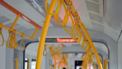Остановились четыре троллейбусных маршрута и один трамвайный