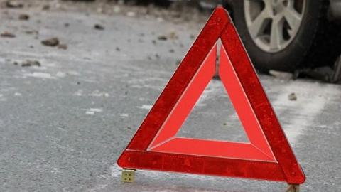 В Энгельсе пешеход получил травмы в столкновении двух машин. Видео