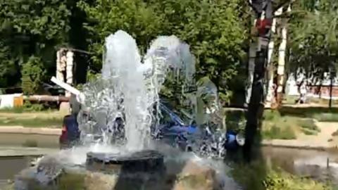 На улице Куприянова появился новый фонтан. Видео