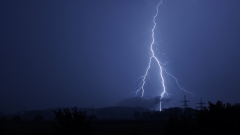 Сегодня в нескольких районах вероятны сильные дожди и грозы
