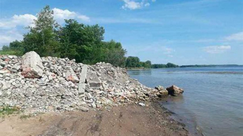 Панков обратится в природоохранную прокуратуру по незаконному захвату берега Волги в Вольском районе