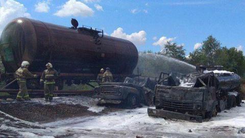 Военнослужащие пострадали при тушении цистерны с бензином
