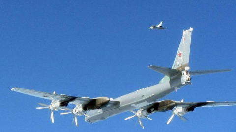 Энгельсская авиабаза провела учения стратегических ракетоносцев Ту-95МС