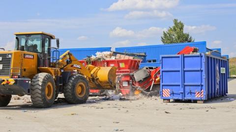 Почти 100 тысяч тонн мусора вывезено из Саратова за полгода