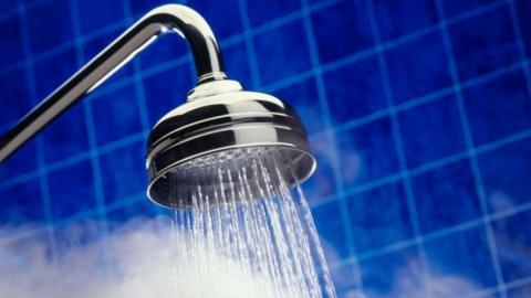 Энергетики поэтапно восстанавливают горячую воду после опрессовки