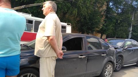 Четыре машины устроили пробку на улице Чернышевского