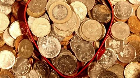 Средняя зарплата в Саратовской области за год выросла на 7,6 процента