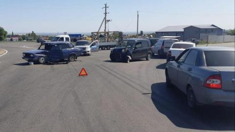 В аварии у Дубков ранены четыре человека