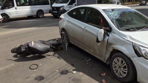 В Энгельсе водителя скутера сбил «Солярис»