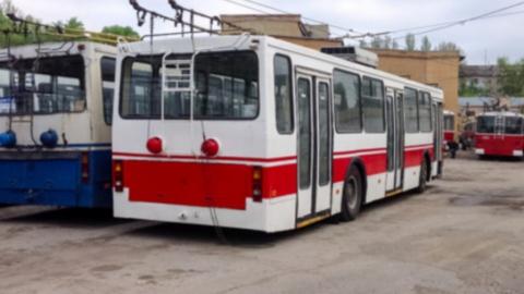 Из-за работ на Антонова остановился троллейбусы маршрута №10