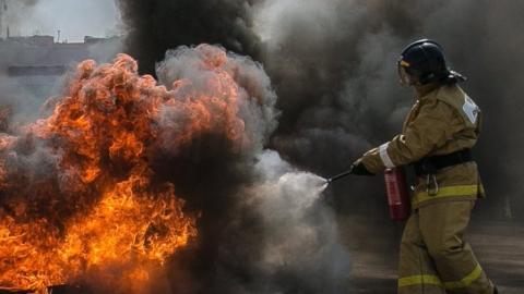 В Заводском районе Саратова горел овощной ларек