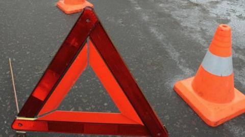 Водитель КамАЗа собрал пять машин на перекрестке в центре Саратова