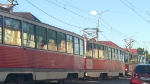 Возле стадиона «Волга» остановились трамваи 8-го маршрута
