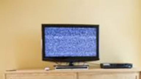 Вор со множеством судимостей вынес телевизор из квартиры собственной матери