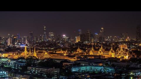 Российских туристов после взрывов в Бангкоке просят не приближаться к органам власти