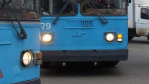 18-летнюю девушку ранило взорвавшимся колесом троллейбуса