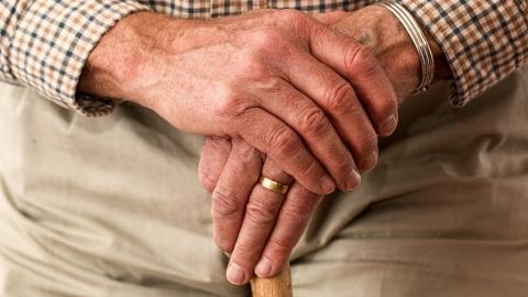 Средняя страховая пенсия по старости в Саратовской области составила 13553,73 рубля