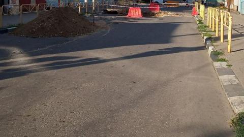 """Два часа назад престарелая женщина за рулем """"Сузуки"""" улетела в траншею в центре Саратова"""