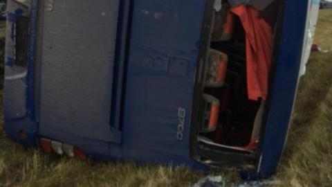 В вылетевшем с трассы автобусе разбились четыре жителя Камышина и два человека с двойным гражданством