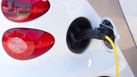 Для зарядки аккумуляторов больше не нужны лицензии