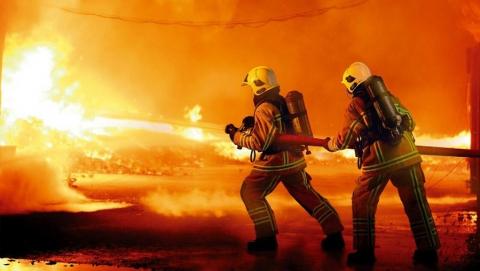 Рано утром в Энгельсе горел мусоросборник