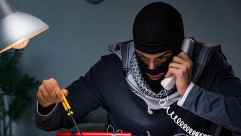 В Саратове задержан серийный телефонный террорист