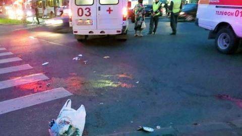 Водитель ВАЗа сбил двух пешеходов на ночном перекрестке