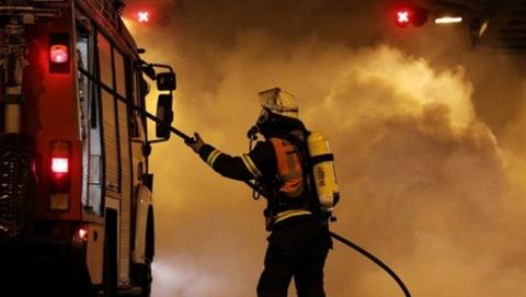 Ночью в Саратове сгорели два заброшенных дома