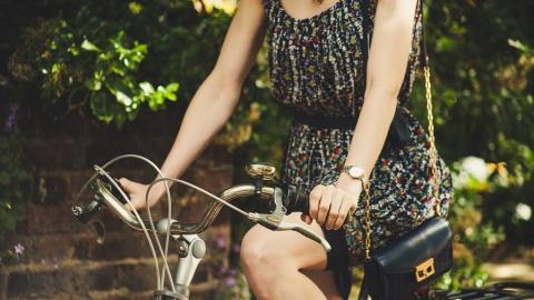 У 15-летней девочки увели оставленный на полчаса в подъезде велосипед