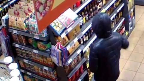 """Молодого человека в """"Магните"""" поймали на шоплифтинге"""