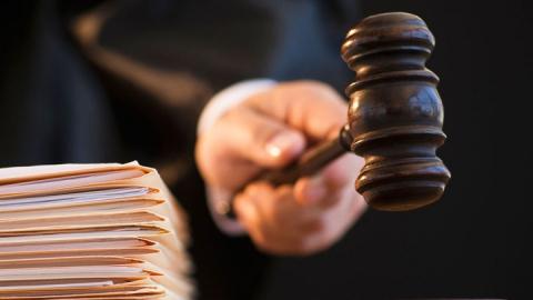 Покровчанина будут судить за два удара полицейскому