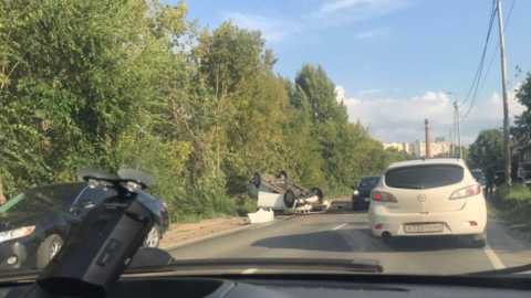 Девушка-водитель не получила ни царапины в перевернувшемся «Шевроле»
