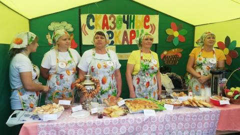 В поселке Духовницкое прошел грандиозный праздник пирога