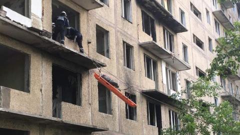 Спасатели провели учения в печально известном доме на Перспективной