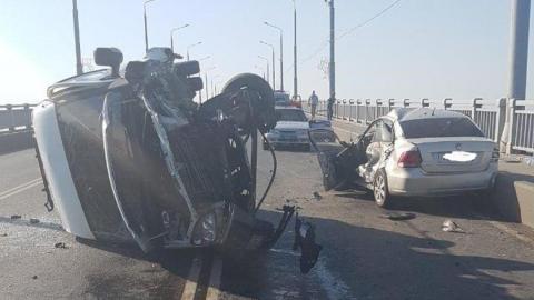 Появилось видео с места утренней аварии на мосту Саратов-Энгельс