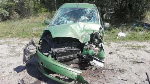Два автомобиля столкнулись лоб в лоб в Энгельсе