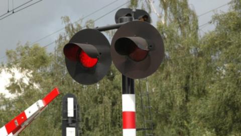 В Заводском районе Саратова на сутки закроют переезд