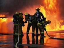 Сотрудники МЧС выехали тушить пожар на 14-ом этаже