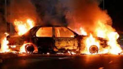 Ночью в Саратове на Усть-Курдюмской горел BMW