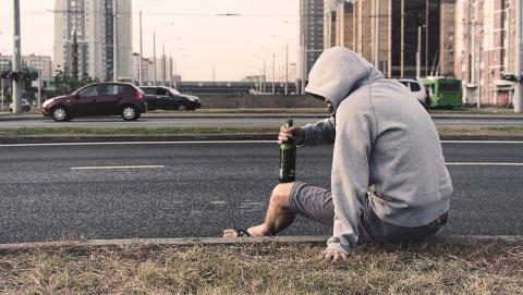 """Диагноз """"алкоголизм"""" поставили больше 25 тысячам жителей Саратовской области"""
