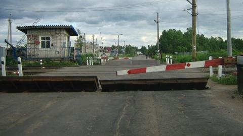 На ночь закроют железнодорожный переезд