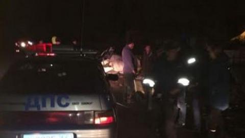Два человека погибли, четверо покалечились в перевернувшемся на трассе «Ниссане»