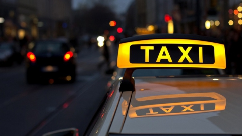 Саратовского таксиста возмутил тариф на стоянку в аэропорту «Гагарин»