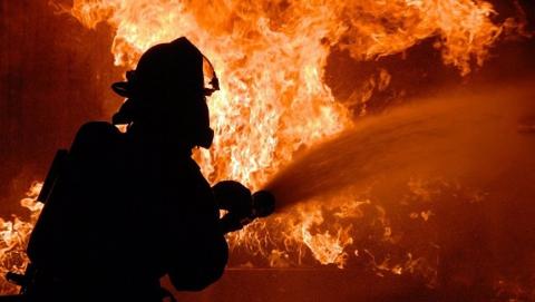 Ночью в Саратове горел еще один частично расселенный дом