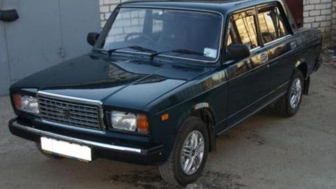 Двух молодых аркадакских рецидивистов задержали за угон машины в соседнем районе